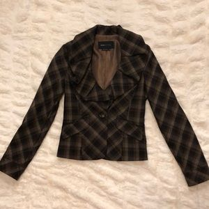 Plaid jaket with front ruffles